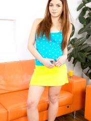 Teen hottie Loreen Sterling gets naked for you on the couch