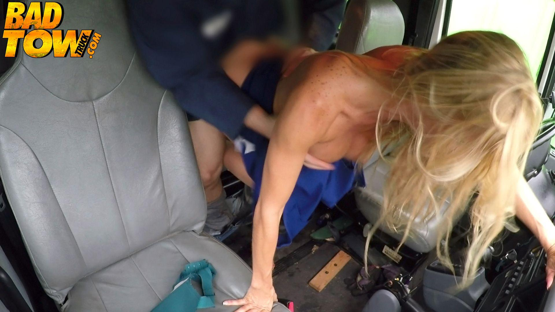 Alexis fawks busty blonde milf fucked just right 7