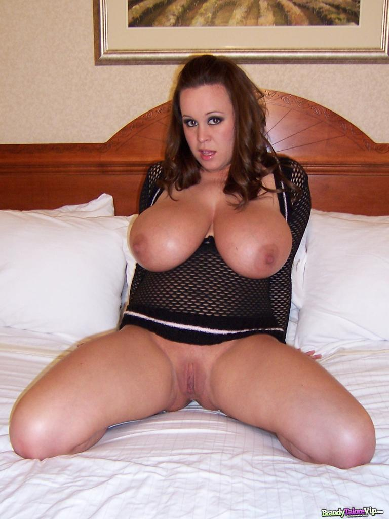 Pictures Of Brandy Talore Playing With Her Pussy In Bed Coed Cherry