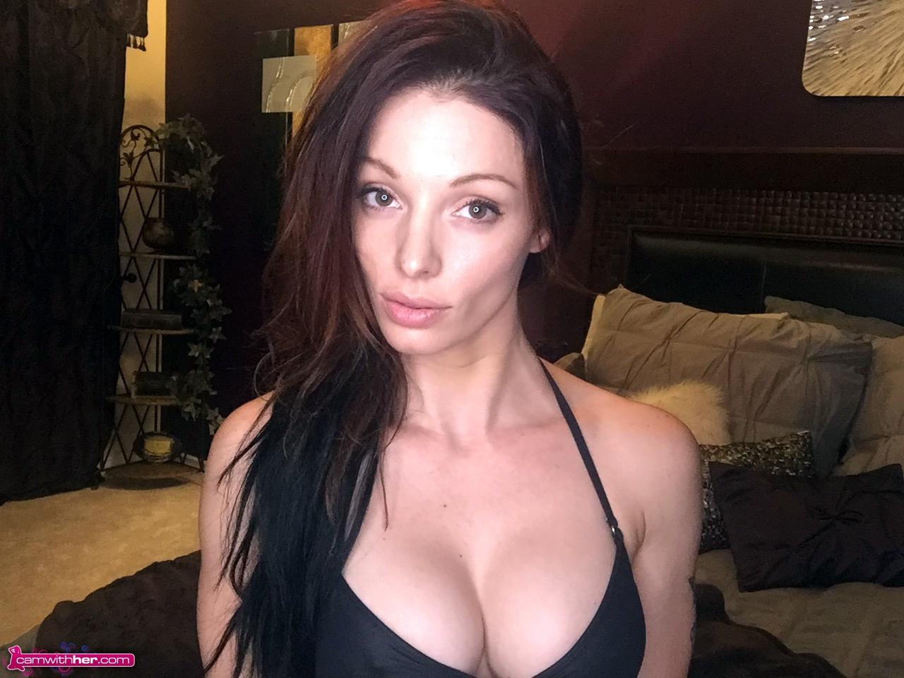 Bruentte Babe Angelina Stevens Taking Some Sexy Selfies In -3873