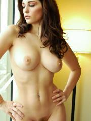 Carlotta Champagne shows off her beauty round breasts and hot body