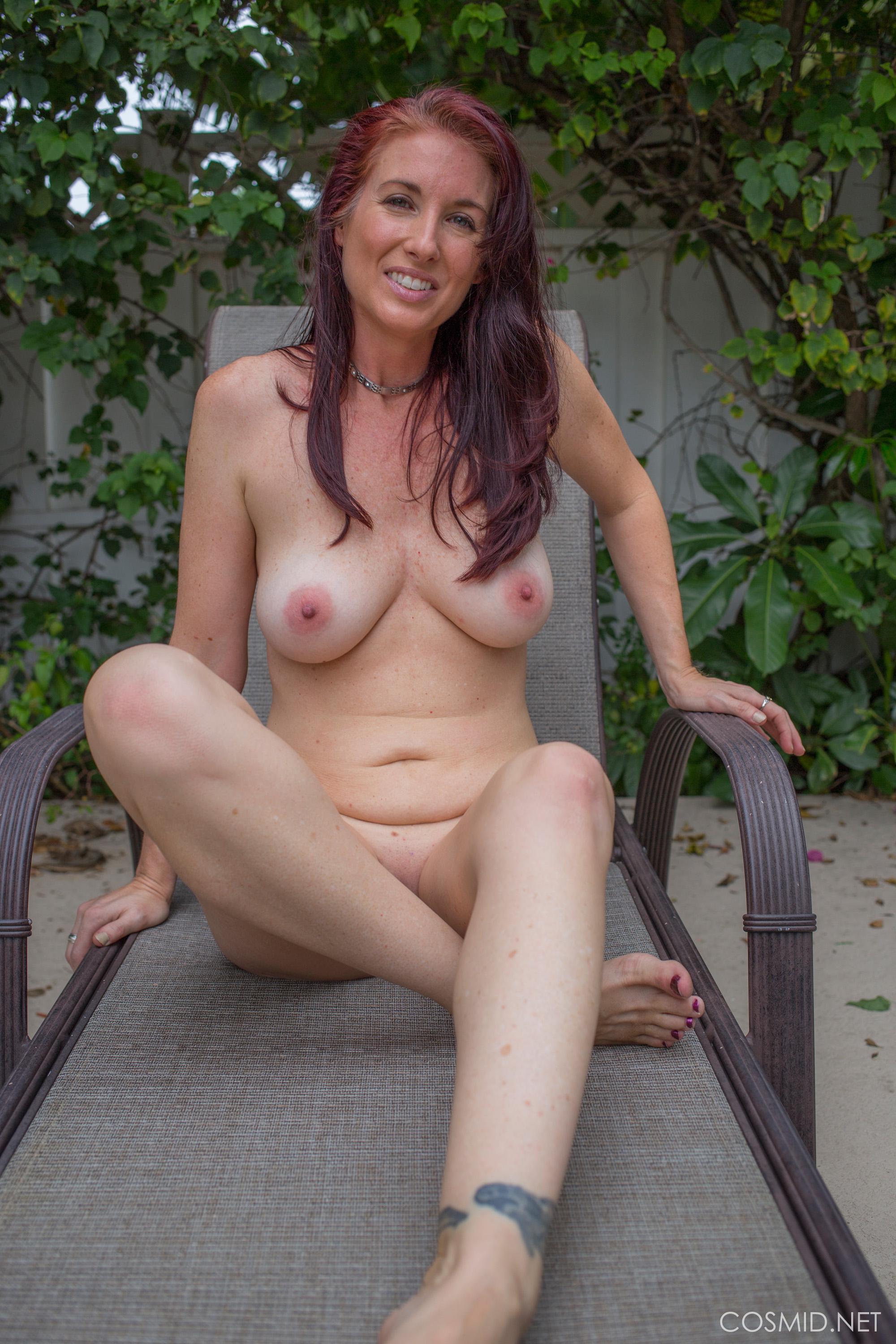Hot girl Andy Adams strips out of her yoga pants in the back yard ...