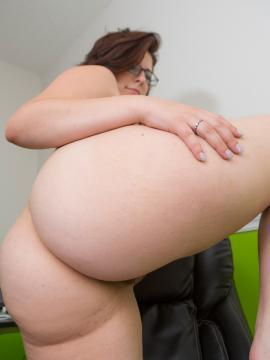 Brunette coed Ivana' Belle strips for you on her chair