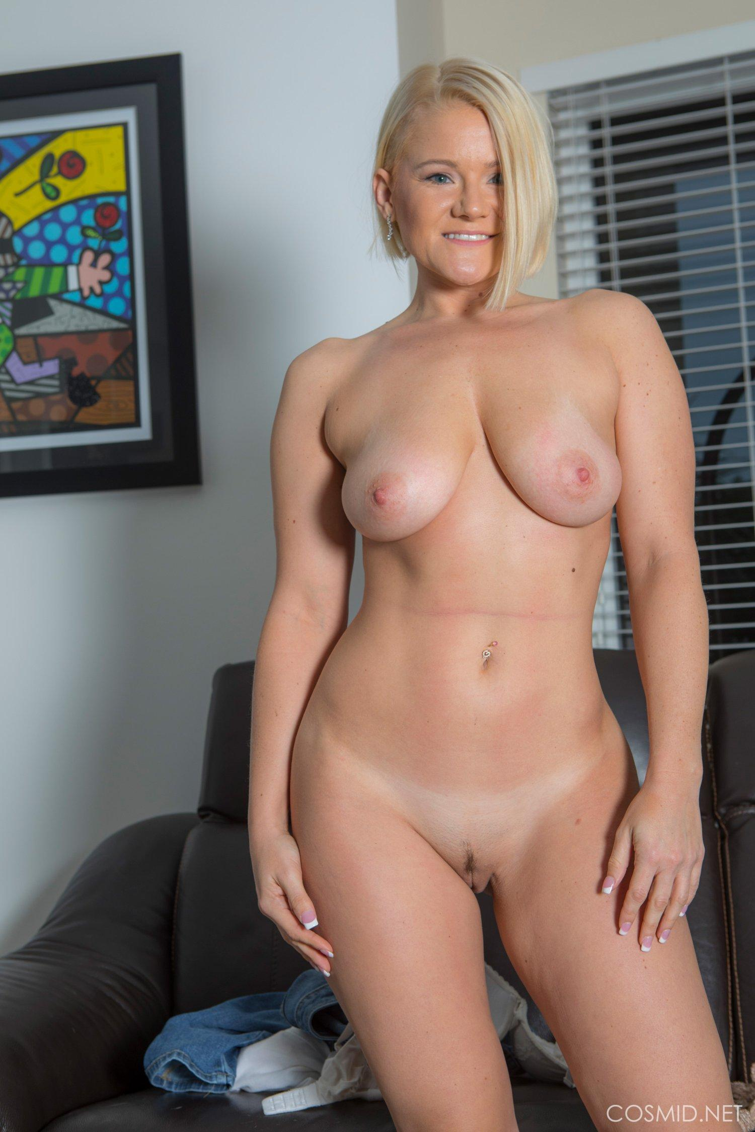 Blonde Amateur Katie Strips Out Of Her Jeans For You -5502
