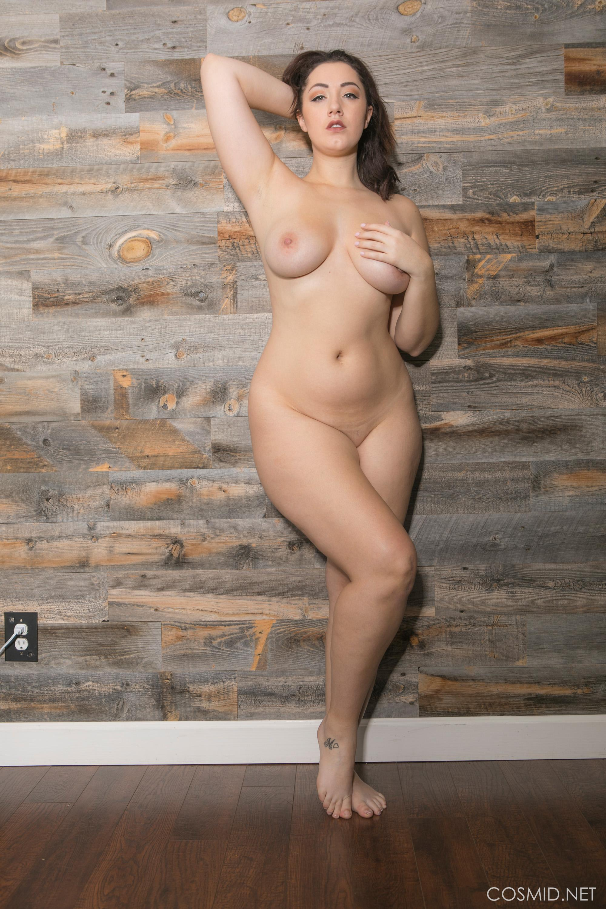 Busty girl Lexi Lloyd strips out of her blue jeans | Coed ...