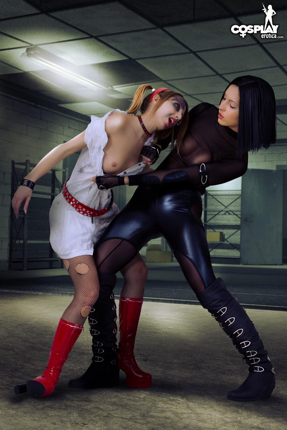 Sexy Girls Angela And Anne Get Their Resident Evil Cosplay -5241