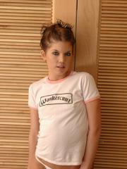 Hot teen Diddylicious teaess in her jeans and shirt