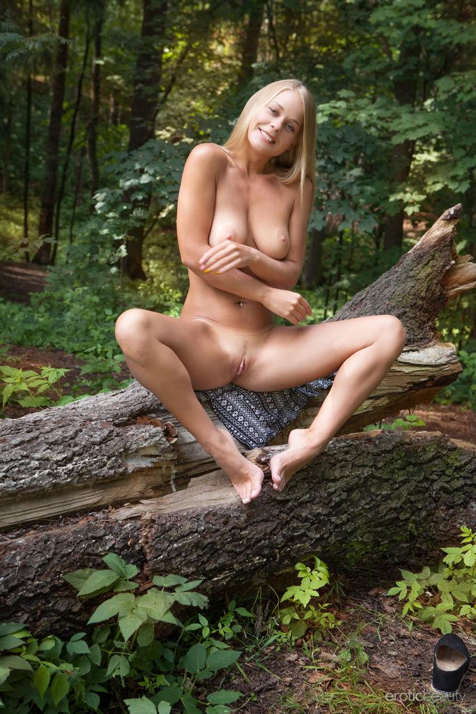 Sarika A Shows You Her Nude Body In The Forest In -9934