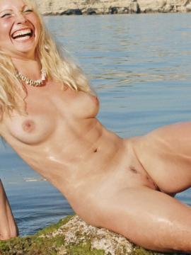 Kalina gets nude and wet in debut