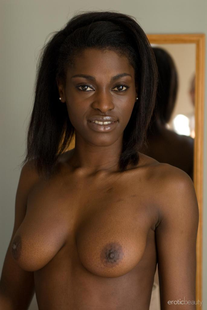 Ebony Hottie Aubrey A Gets Totally Nude And Waits For You -9963