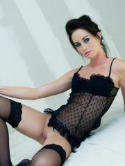 Gorgeous model Justine Jewel puts on sexy black lingerie just for you