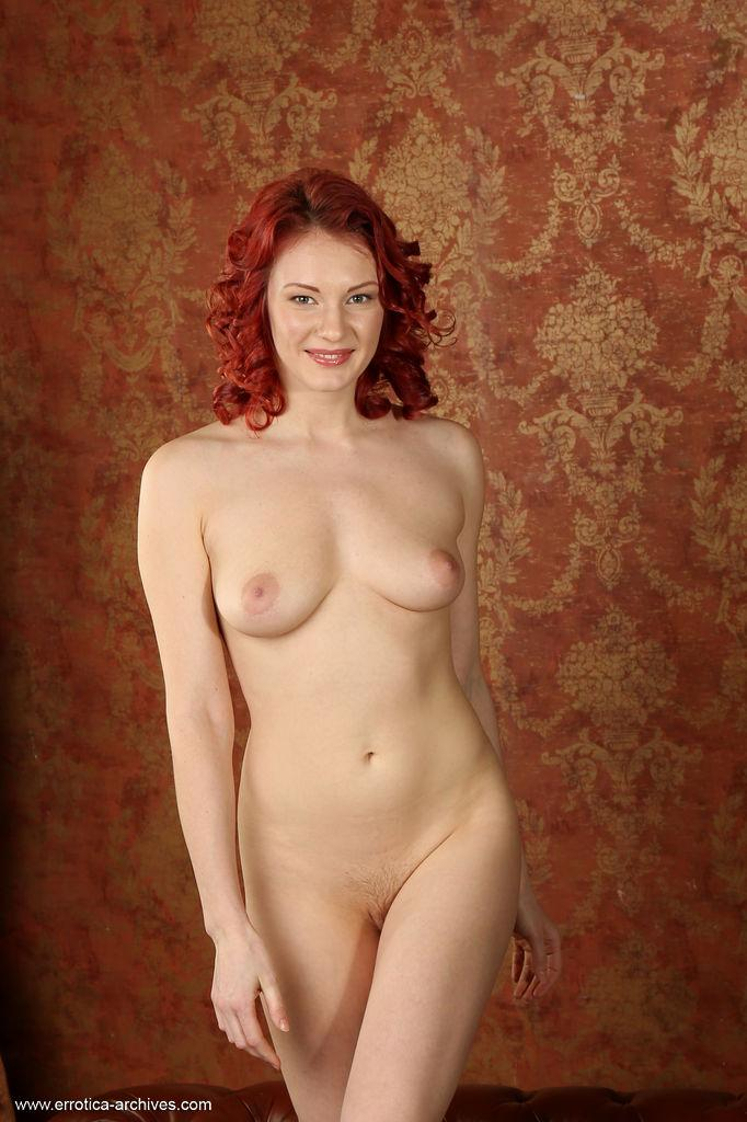 Can look Nude red heads on couch