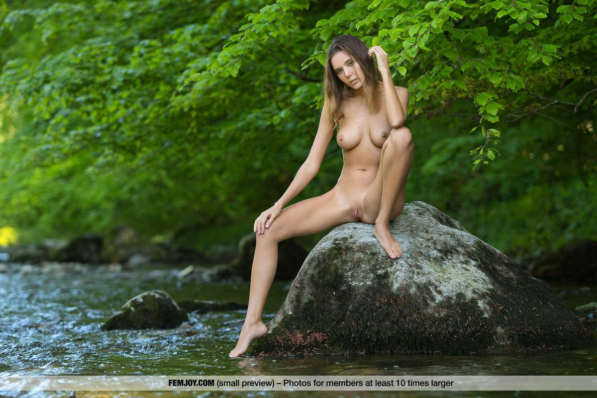 Clover Poses Fully Nude In The Forest  Coed Cherry-4173