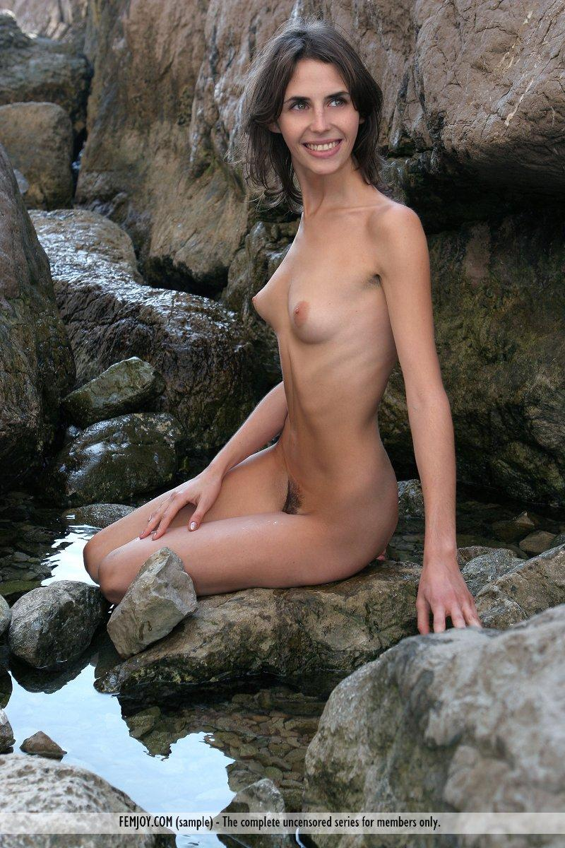 Pictures Of Coed Girl Sambella Getting Wet For You  Coed -3483