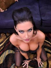 Brunette babe Jessica Jaymes gives a hot pov blowjob