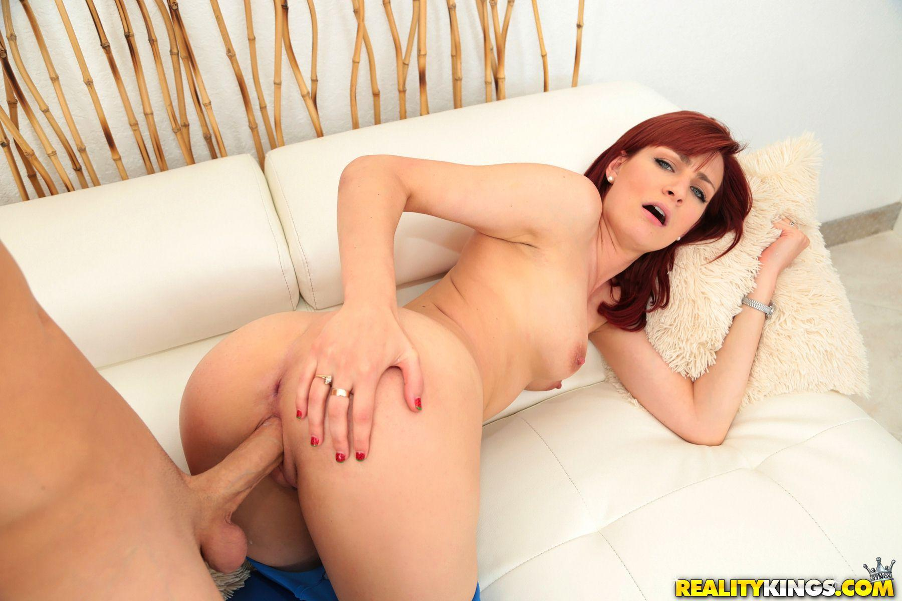 Redhead Newbie Dia Del Rose Gets Fucked For Her Porn -1307