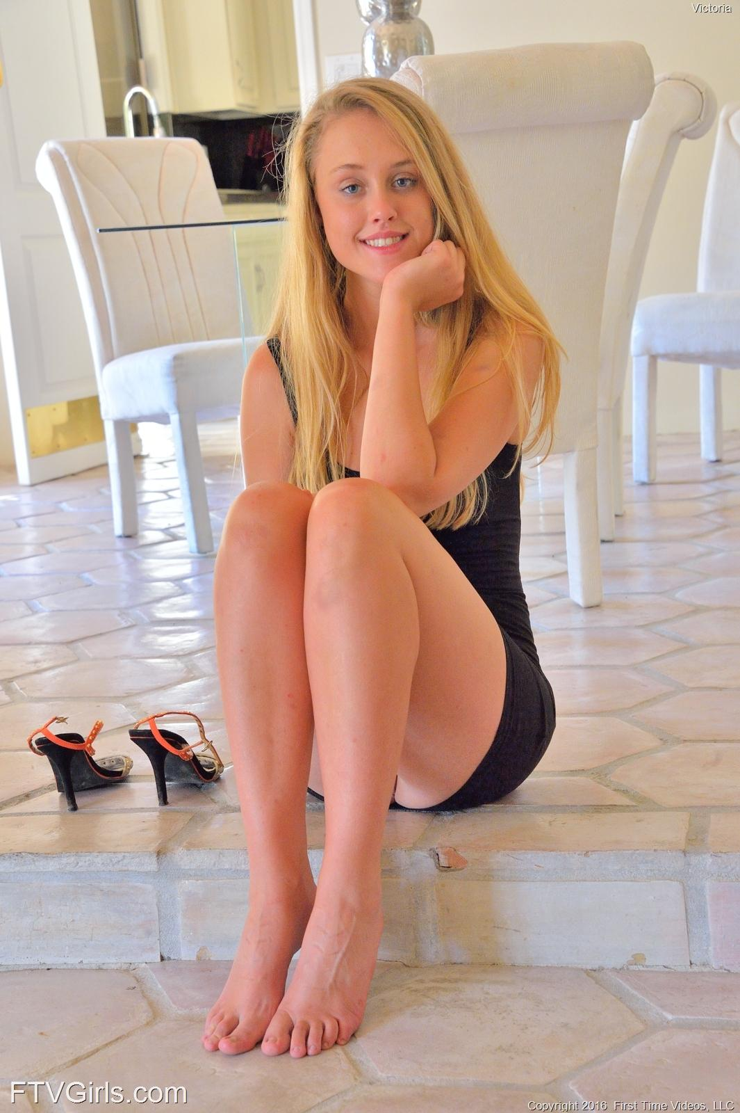 Teen blonde pigtail her first time in a xxx video 8