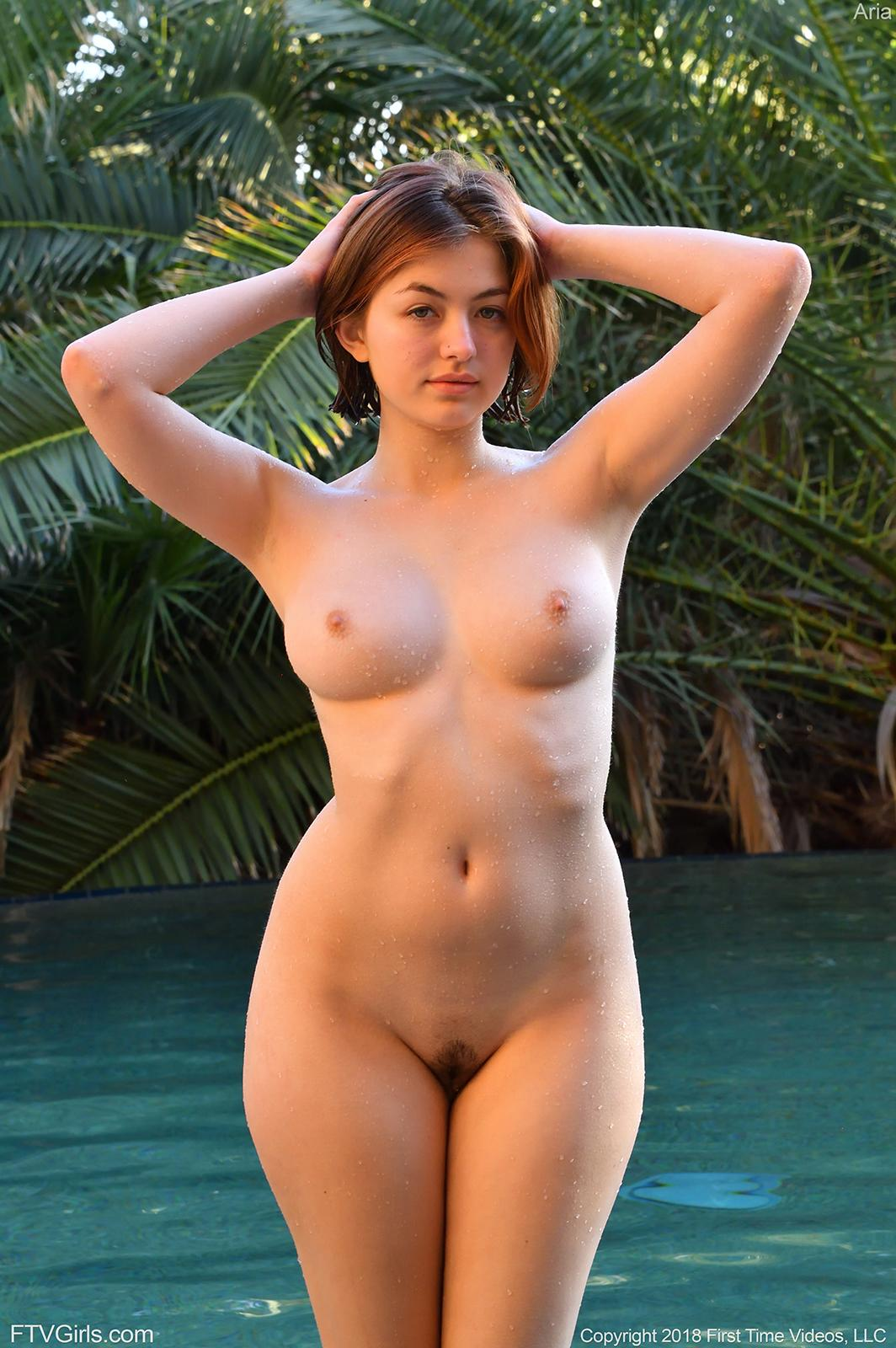 Sexy Naked Ladies Outside Pic