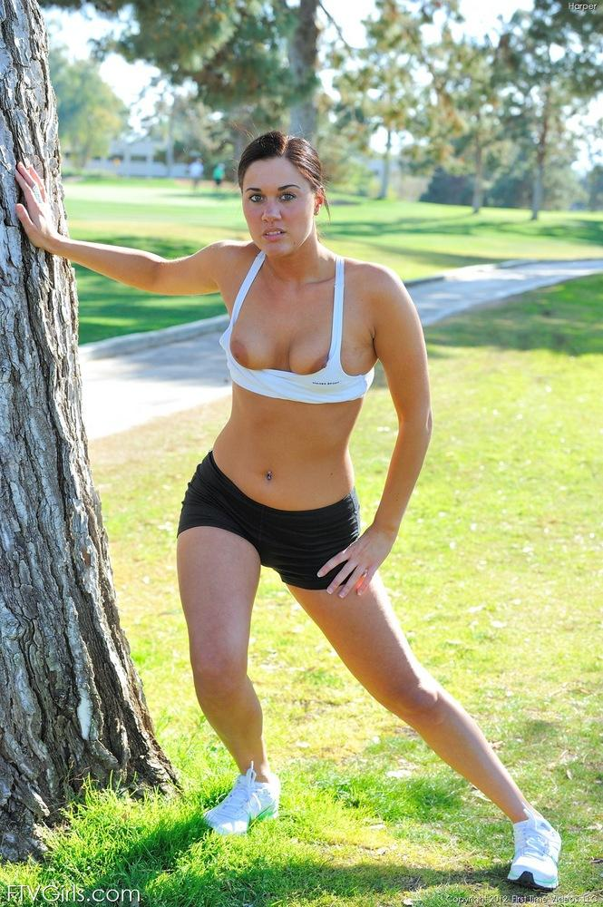 women-topless-jogging-amatuer-nude-mature-booty-pictures