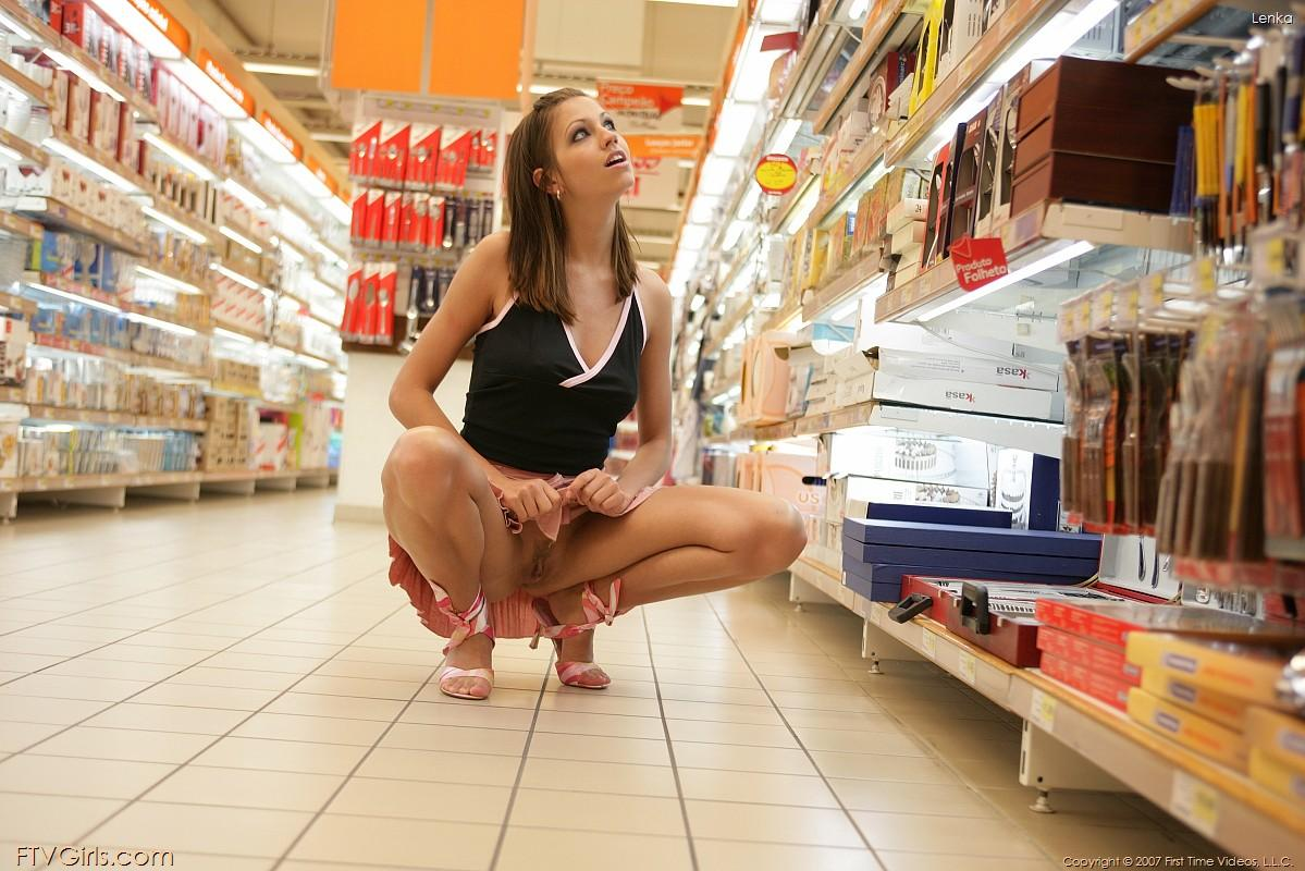 Pictures Of Lenka Naked In Public  Coed Cherry-7307