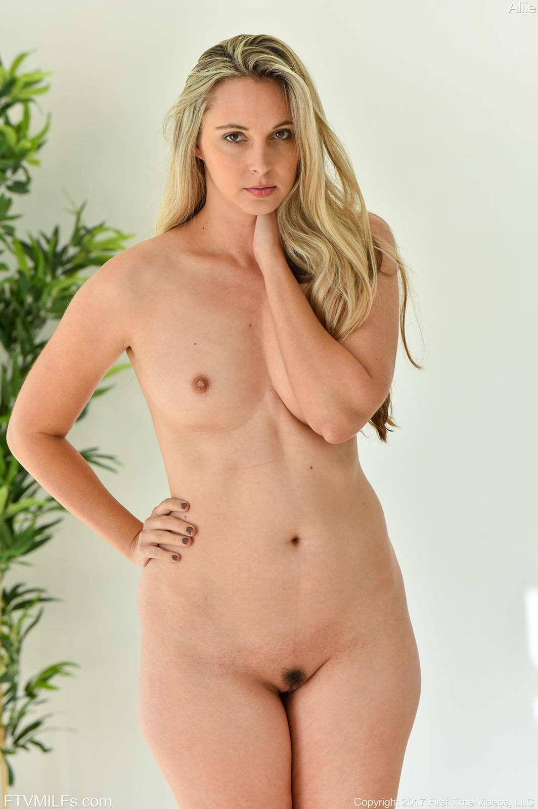 Blonde fingers pussy and plays with her dildo 10
