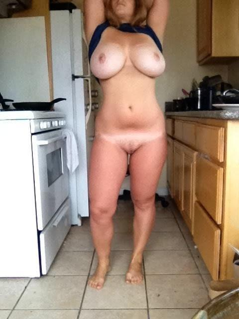 Erotic Pix Crazy penetration streached pussy