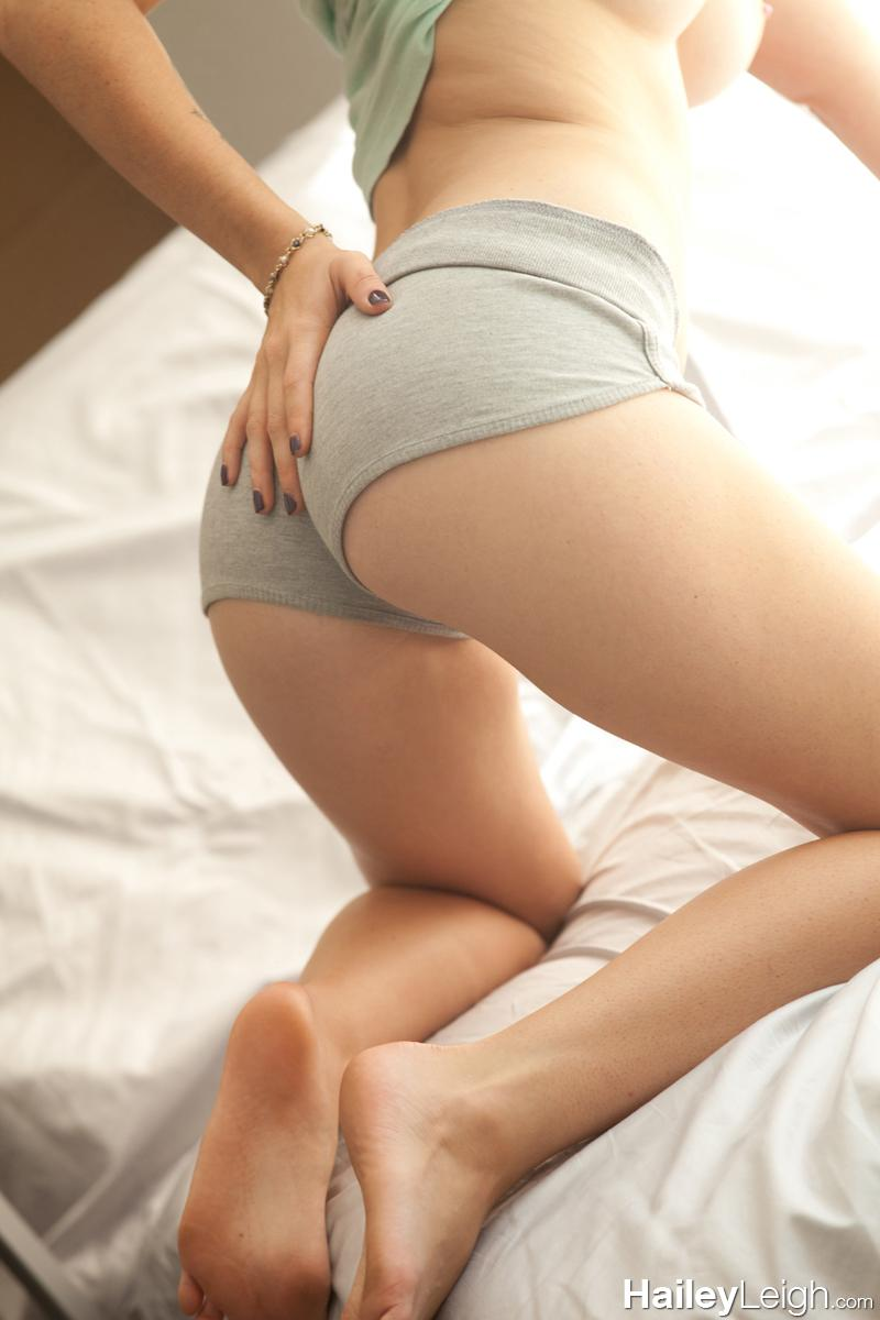 Hailey leigh tight shorts can not