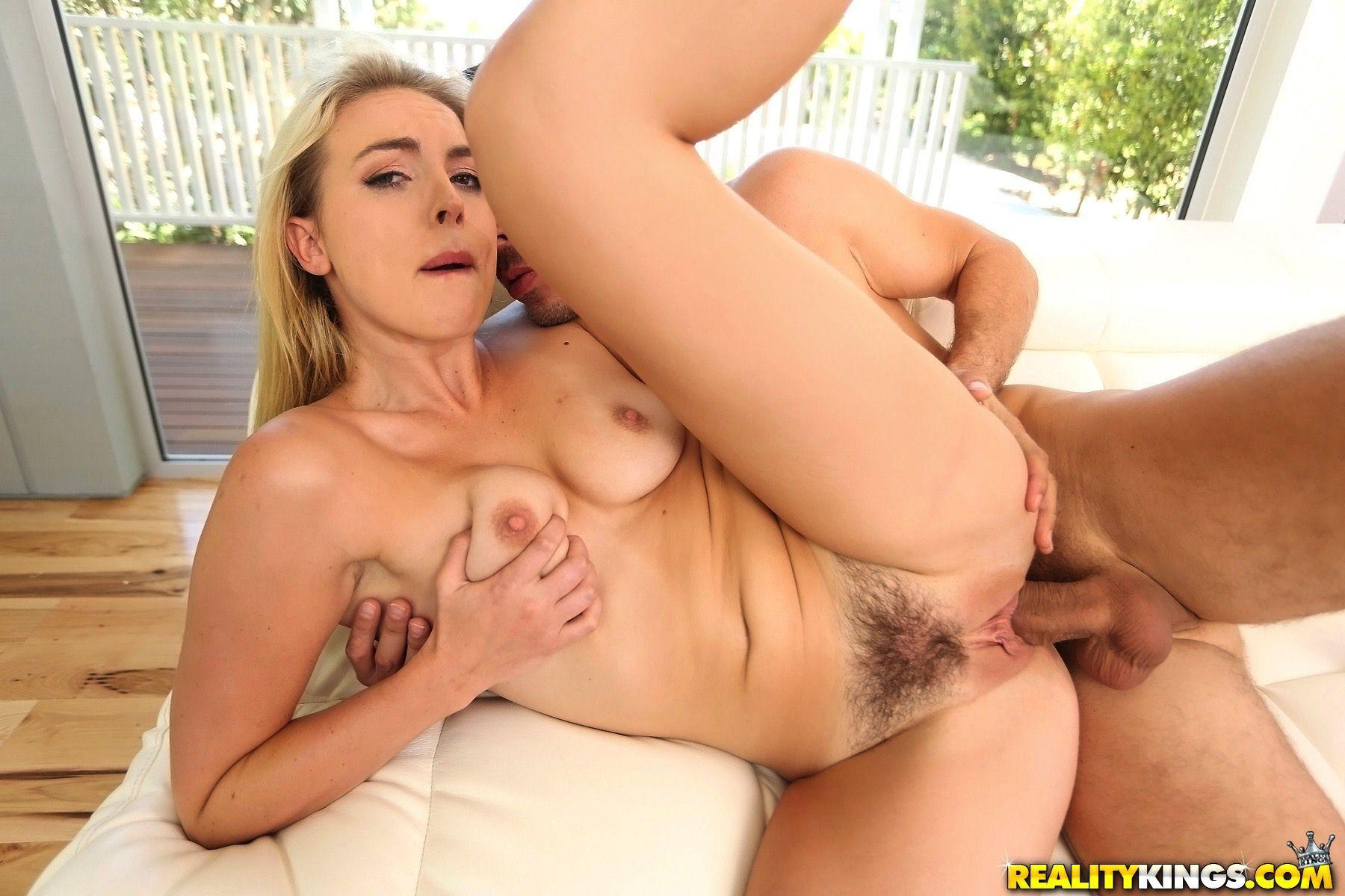 Cosima knight gets a deep creampie