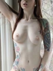 Ivy Snow shoots this amateur set on her own where she strips down to nothing and has some fun with her toys