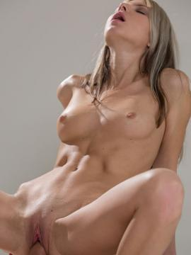 Gina Gerson fucks photographer in discover my talents