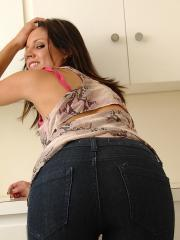 Missy Maze peels of tight jeans and shows you her wet pussy