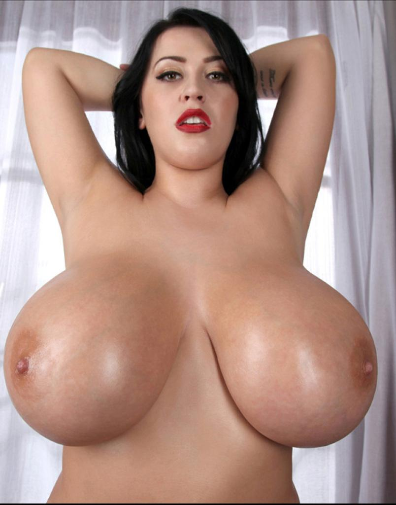 Busty Hottie Leanne Crow Shows You Her Big Boobies For New -7913