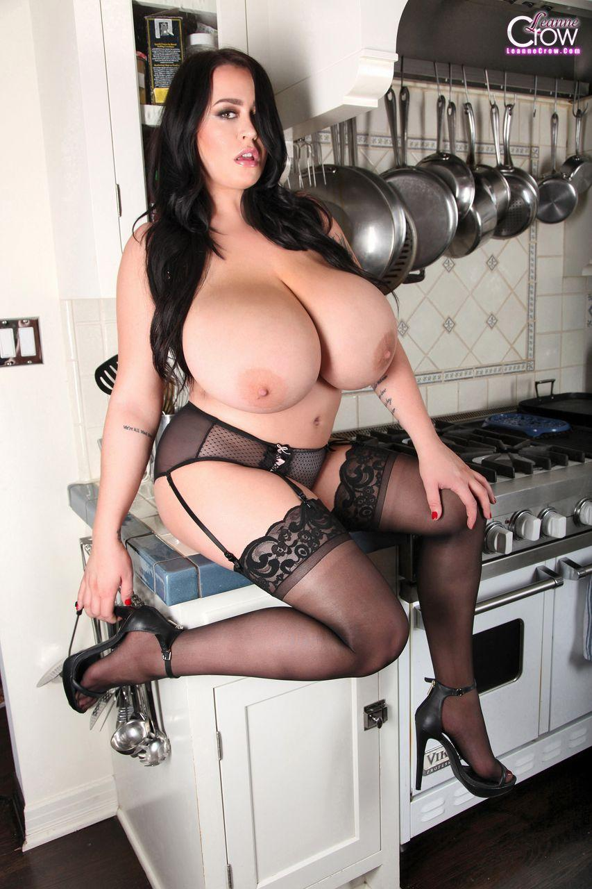 Busty Babe Leanne Crow Poses On The Stove In Black -4387