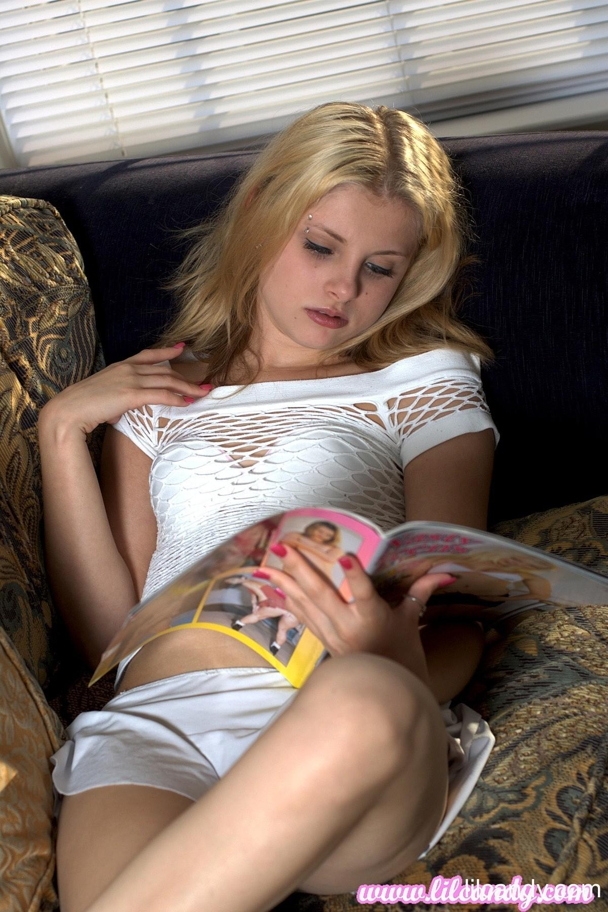 Blonde Teen Lil Candy Masturbates To A Porno Mag  Coed Cherry-6538