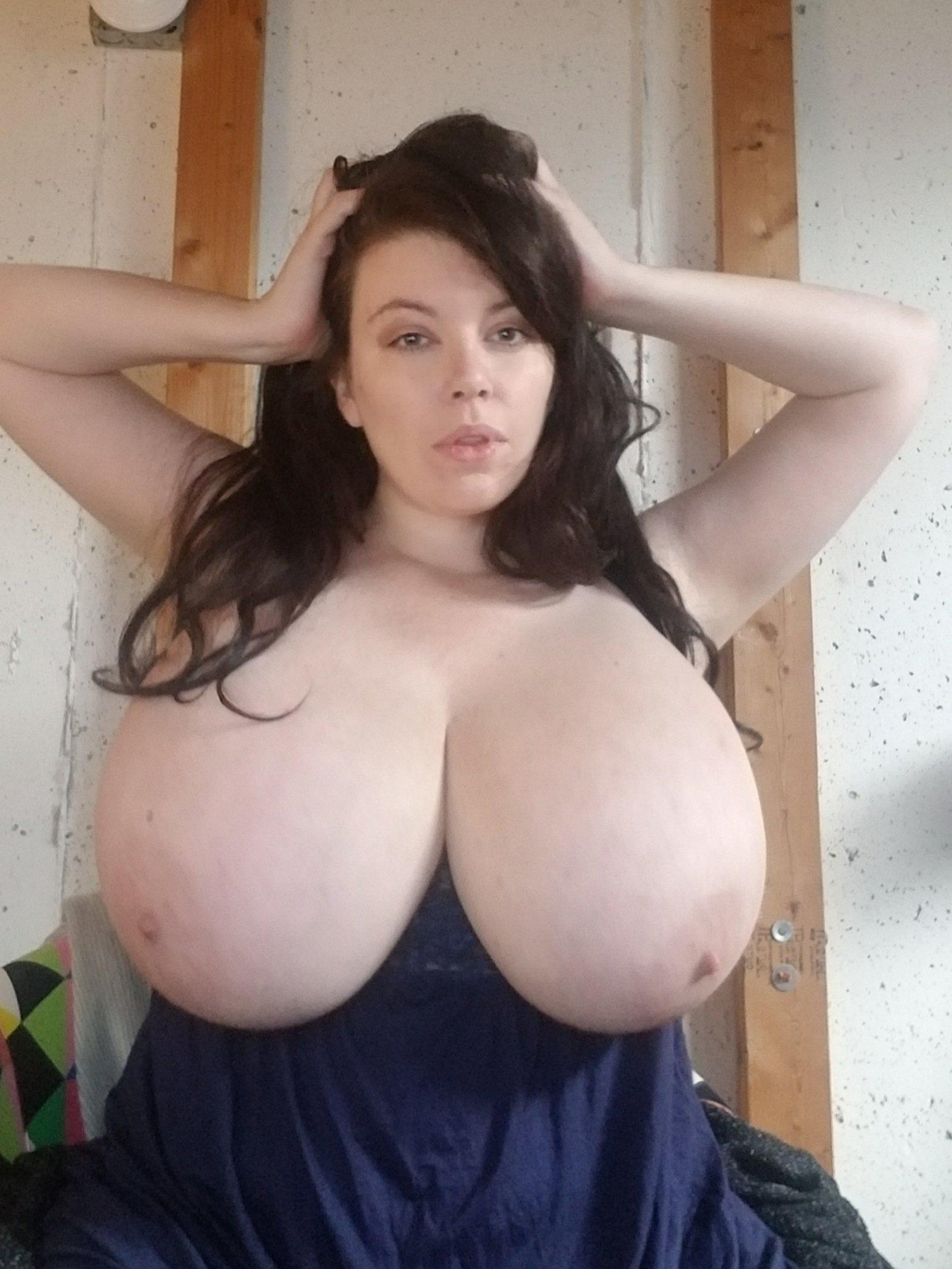 Lovely lilith boobs