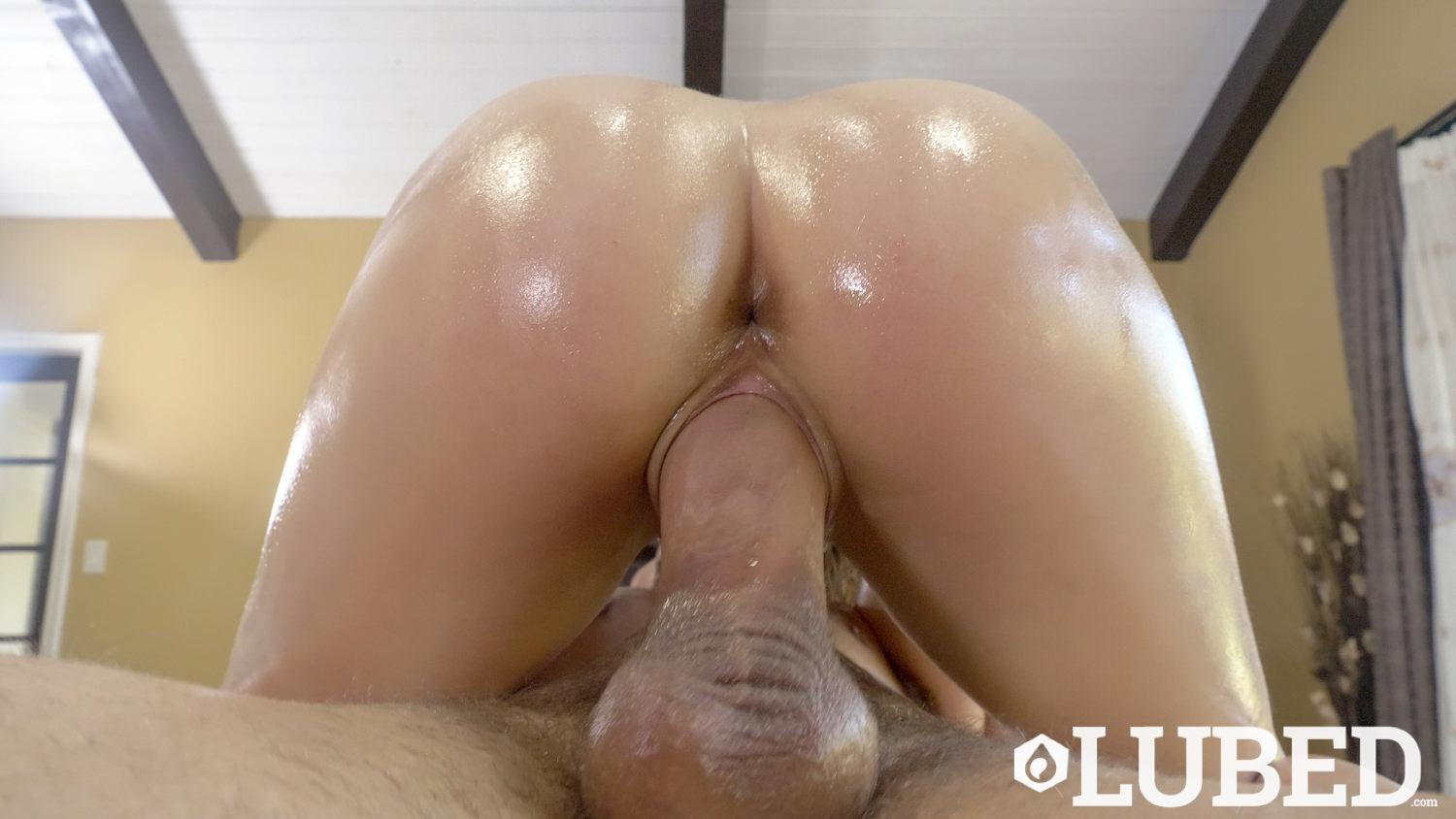 Teen Babe Kristen Scott Gets Oiled Up And Gives Hot Pov -3393