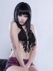 Mellisa Clarke strips her frilly black top just for you