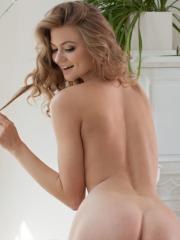 """Blonde beauty Patritcy A shows you her nude body in """"Xarde"""""""