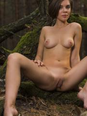 """Brunette beauty Dakota takes some nude pictures for you in """"Xiemo"""""""