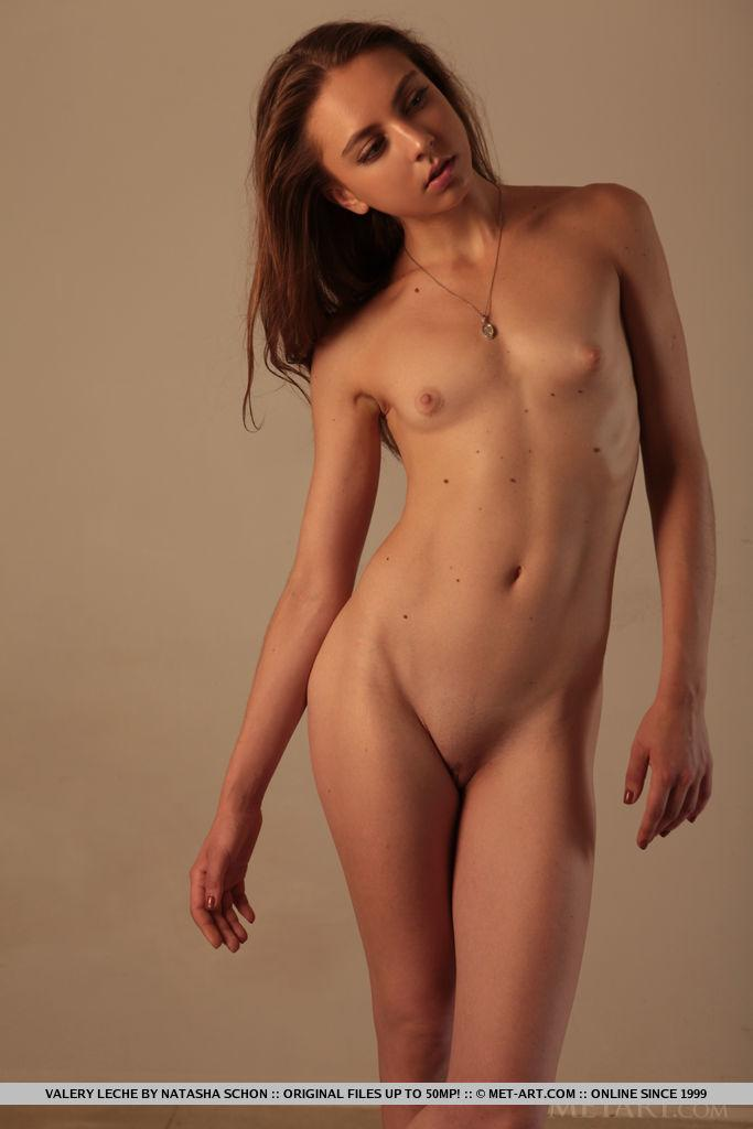 Valery Leche Posing Nude In Debut Set Coed Cherry