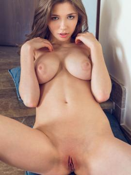 Mila Azul A Day By The Sea