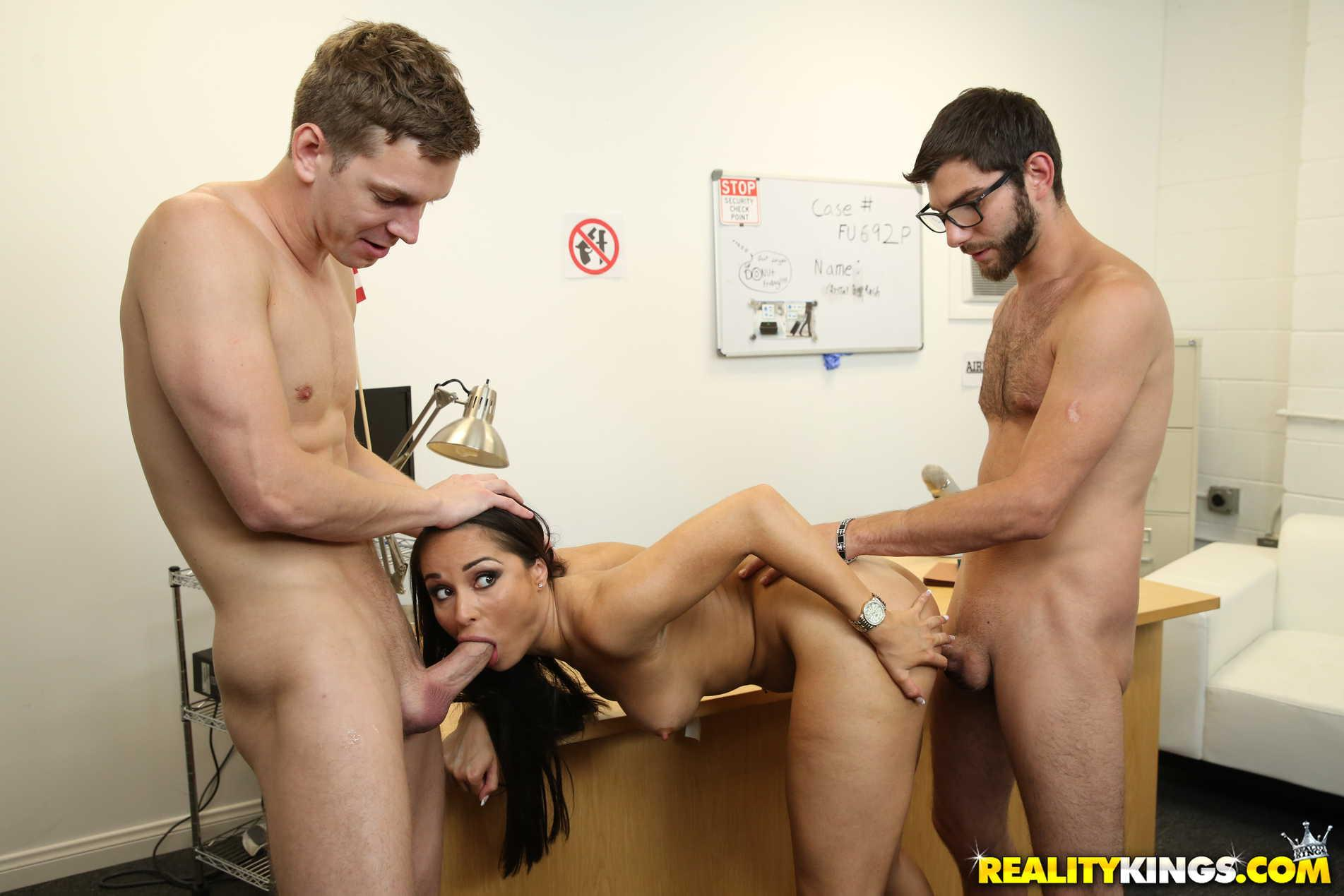 Sex in front of her friend hq porn search