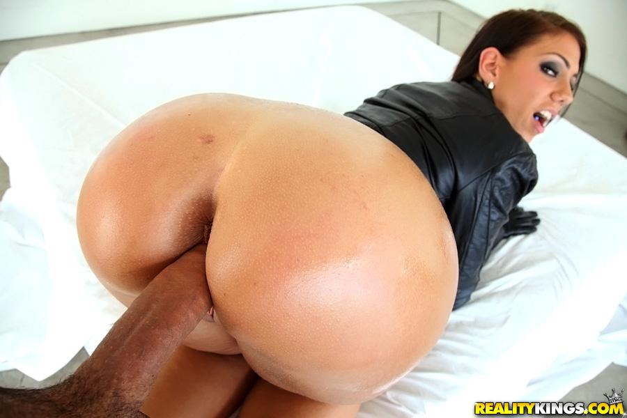 Big bubble butt booty round asses porn