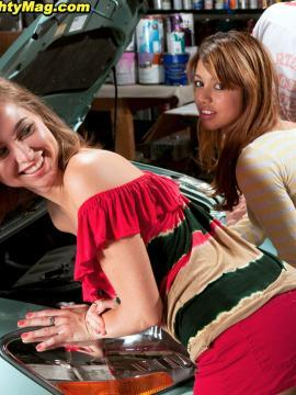 Riley Reid and Veronica Rodriguez have an orgy in a garage