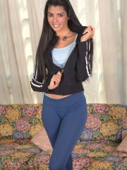 Hot teen Angela Diaz gets naked and rubs one out