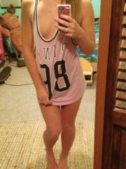 Amateur college girl shares some hot mirror selfies