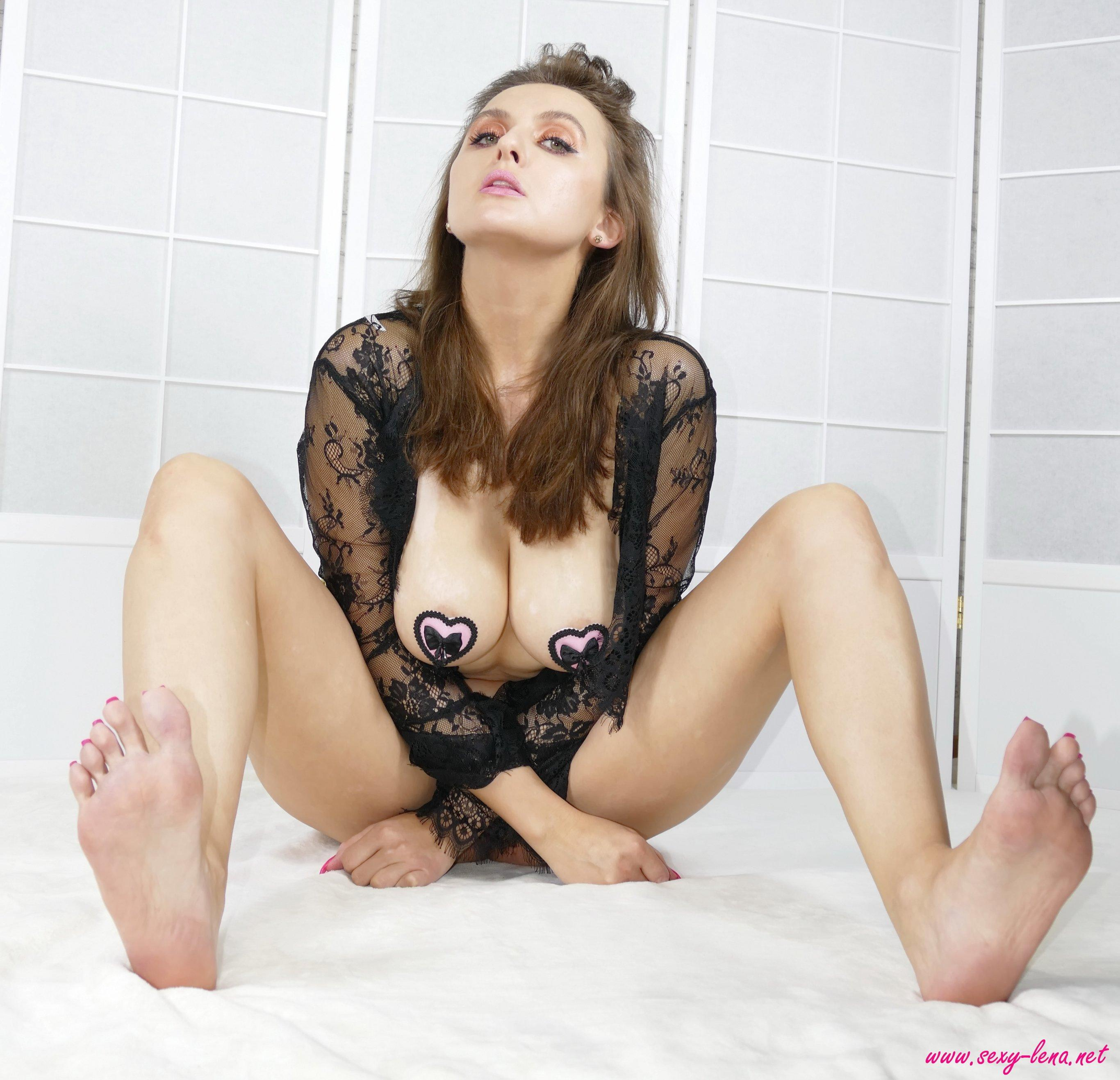 Sexy Lena Shows You Her Sexy Feet  Coed Cherry-7493