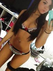 Hot GF takes selfies in her sexy lingerie