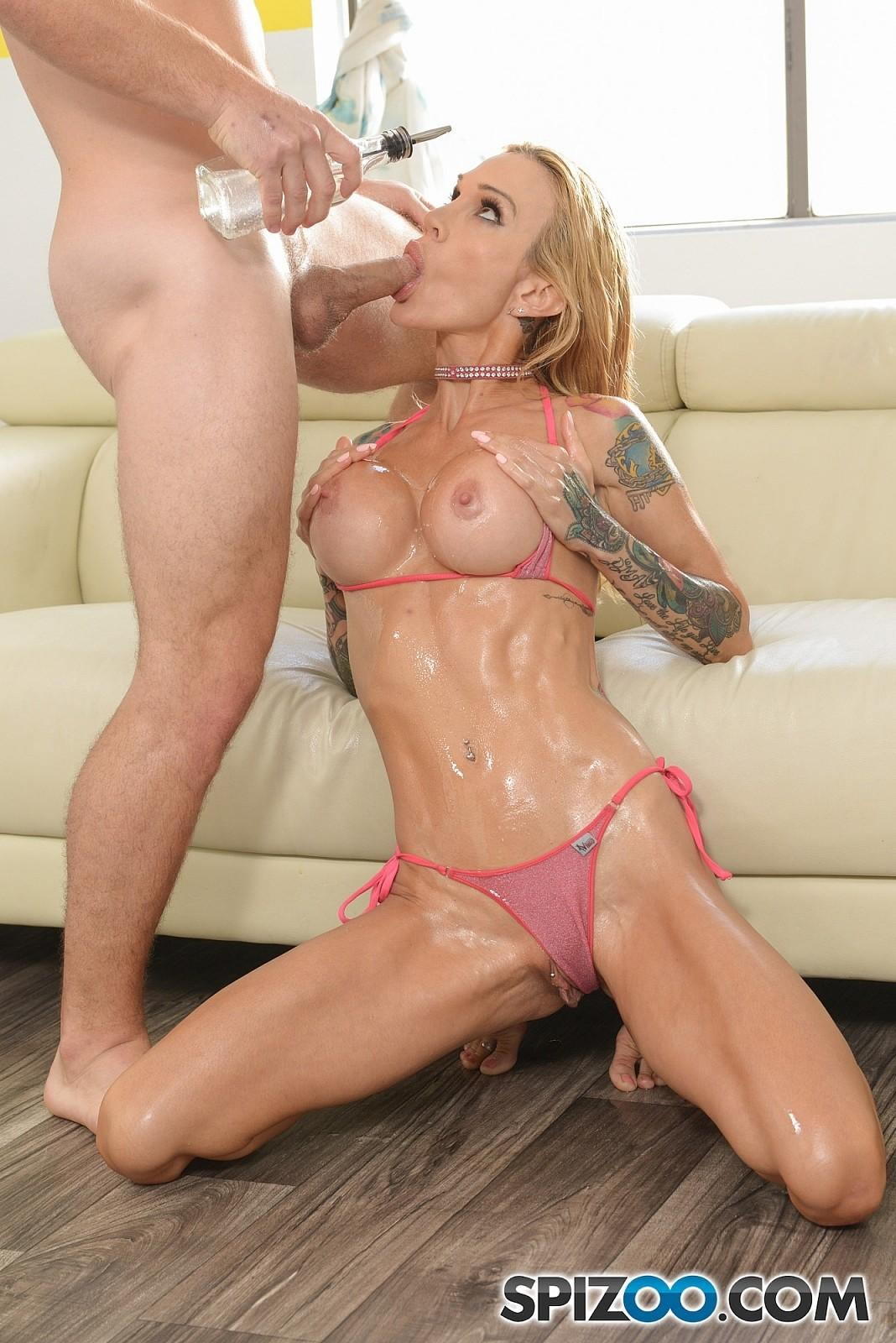 image Spizoo sarah jessie oil up and get fucked by a big dick