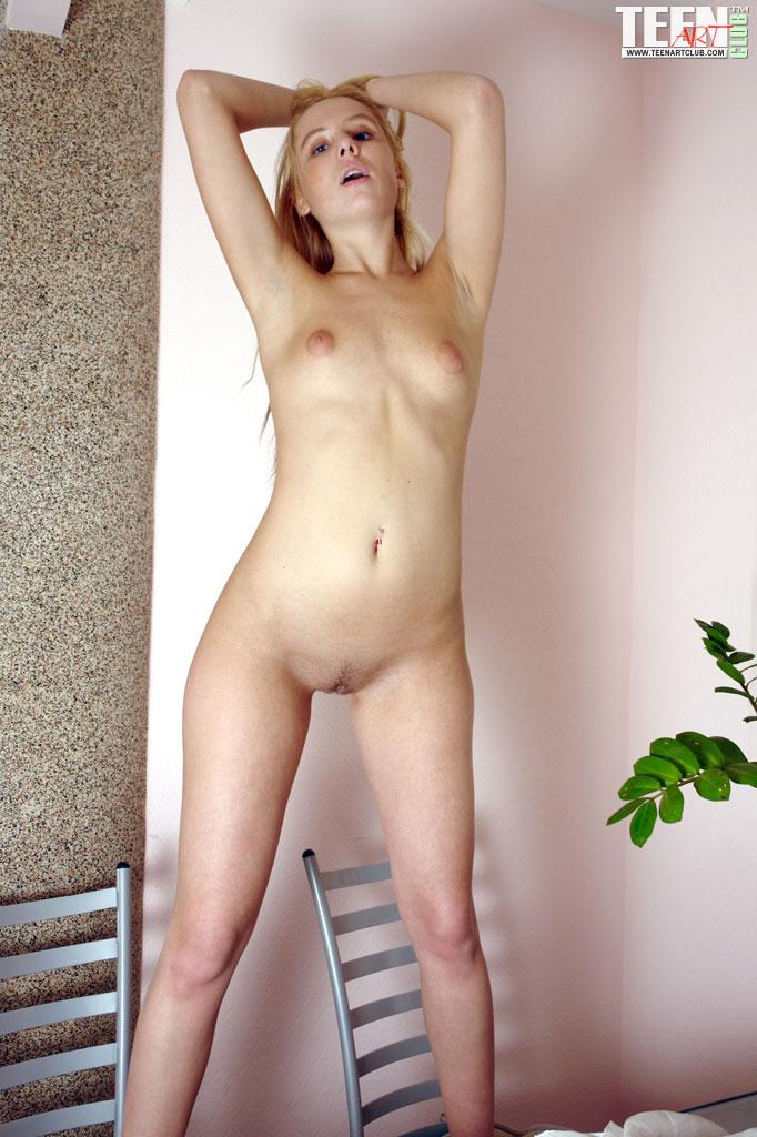 Winsome Teen Showing Shamelessly Her Gorgeous Body And -7808